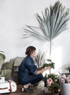 We called in Bay Area-based freelance stylist Kendra Smoot, when shooting our spring House & Home catalog, to share some expert tips for making your own home look photo-ready, now on the #AnthroBlog #Anthropologie