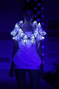 Pankaj and Nidhi& Glowing Geometric Dress, Show at Wills Lifestyle India F ., Pankaj and Nidhi& Glowing Geometric Dress, Show at Wills Lifestyle India Fashion Week. Smart Textiles, E Textiles, Geometric Fashion, Geometric Dress, Fashion Art, Kids Fashion, Fashion Show, Fashion Trends, Space Fashion