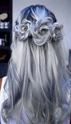 There is 0 tip to buy hair accessory, hair, hair inspiration, blue hair, hairstyles. Help by posting a tip if you know where to get one of these clothes. Colored Hair Tips, Coloured Hair, Hot Hair Colors, Bold Hair Color, Braids For Long Hair, Hair Dos, Gorgeous Hair, Pretty Hairstyles, Gray Hairstyles