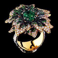 Jewellery Theatre. Flowers high jewellery ring...♡