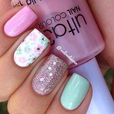 spring mani @xxlovelauren: pastel pink, mint, floral + polkadot nailart + glitter accent nail | nails / nailart