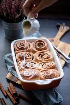 Celozrnné cinnamon rolls – Jezte sláskou Cinnamon Rolls