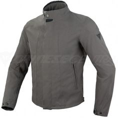 To provide just this, the Baywood jacket features a soft outer fabric laminated to a waterproof, breathable D-Dry® membrane which allows for quick drying when wet and a significant reduction in the wind-chill effect. The exceptional soft Pro-Shape protectors are incredibly comfortable as they mould perfectly to the shape of the body