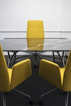 Vela office chairs with a Nomos meeting table
