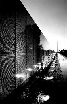 Why is the veteran memorial wall an important part of US history?