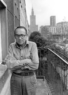 Tadeusz Konwicki, Leading Polish Novelist and Filmmaker, Dies at 88 - NYTimes.com