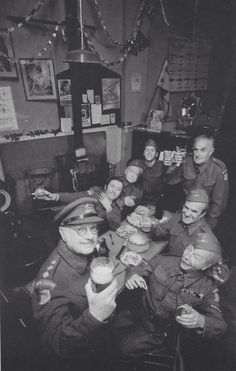 Dad's Army letting their hair down English Comedy, British Comedy, British Actors, 90s Tv Shows, Great Tv Shows, The Best Films, Great Films, Dad's Army, Home Guard