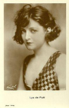Hungarian born film star Lya de Putti (1897-1931). Photo by Freulich,1928-29