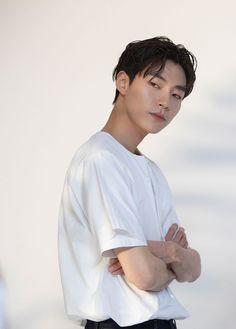 Handsome Korean Actors, Handsome Boys, Cute Couple Art, Cute Couples, Korean Star, Lee Jong Suk, Kdrama Actors, Korean Celebrities, Korean Beauty