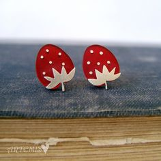 These stud earrings are made of plexiglass and sterling silver. ~the length of the earring is cm All my pieces are carefully handmade♥. Handmade Sterling Silver, Sterling Silver Earrings, Silver Jewelry, Mini Foods, Artemis, Berries, Strawberry, Stud Earrings, Fruit