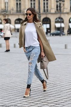 Izabel Goulart street style with trench coat and ripped jeans. #izabelgoulart #trench