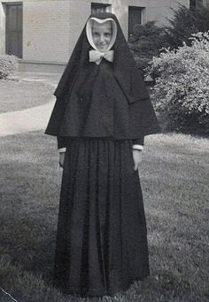 Sister Margaritas Kullowitch, Sister of christian charity accepted her Profession Vows in at 20 years ol age Nun Outfit, Daughters Of Charity, Nuns Habits, Christian Charities, Corporate Women, Bride Of Christ, Religion, Roman Catholic, Female