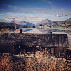 Vårt Lysthus fra Rindalshytter. Bettennesset i Skålvikfjorden. Ferdig høsten…