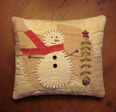 Primitive Small Folk Art Snowman Christmas Pine Tree Pillow from Old Quilt gd Christmas Sewing, Primitive Christmas, Christmas Snowman, Christmas Projects, Holiday Crafts, Christmas Ornaments, Primitive Stitchery, Primitive Crafts, Primitive Pillows