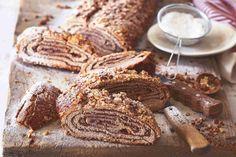 Sakrajda neboli perníkový závin   Apetitonline.cz Slovak Recipes, Sweet Life, Tiramisu, Cheesecake, Food And Drink, Sweets, Meat, Baking, Candy