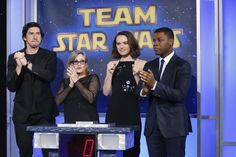 Adam Driver, Carrie Fisher, Daisy Ridley and John Boyega at a Star Wars Event Star Wars Characters, Star Wars Episodes, Star Wars Sequel Trilogy, Star Wars Cast, Prequel Memes, Star Wars Jokes, John Boyega, War Film, Star Wars Wallpaper