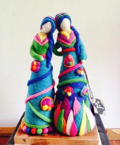 Discover recipes, home ideas, style inspiration and other ideas to try. Felted Wool Crafts, Felt Crafts, Felt Ball Rug, Felt Angel, Needle Felting Tutorials, Felt Fairy, Clothespin Dolls, Waldorf Dolls, Wet Felting