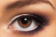 Schlupflider kaschieren: das richtige Make-up für strahlende Augen › beautytipps.ch