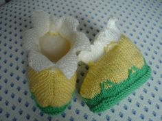 Etsy - Shop for handmade, vintage, custom, and unique gifts for everyone Baby Shoes, Beanie, Etsy, Fashion, Knitted Slippers, Daffodil, Yellow, Green, Handmade Gifts
