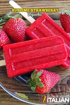 Sublime Strawberry Popsicles: 3 ingredients make the most perfect Strawberry Ice Pop! It's the perfect summertime treat. These are light, refreshing, so easy to make and custom made perfectly sweet for you! Ice Cream Desserts, Frozen Desserts, Ice Cream Recipes, Frozen Treats, Ice Pop Recipes, Juice Recipes, Homemade Popsicles, Healthy Popsicles, Fruit Popsicles