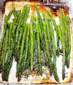 Haniela's: ~Garlic Lemon Roasted Asparagus~