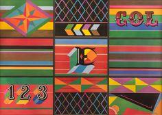 A partir de la iconografía popular de los carros escalera el arquitecto y diseñador gráfico Dicken Castro construyó la obra Diseño modular, que está conformada por nueve impresiones litográficas. Conoce más de nuestra Obra de la semana en: http://bit.ly/1Le49HV