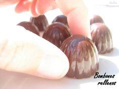 BOMBONES RELLENOS DE CREMA DE NARANJA Chocolates Rellenos, Little Bites, Homemade Candies, Cocoa, Buffet, Internet, Candy, Stevia, Mousse