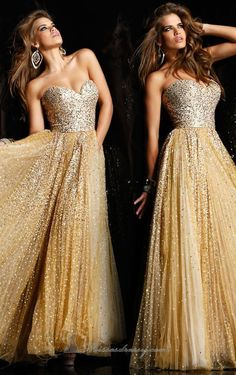 I really want a gold dress for prom!