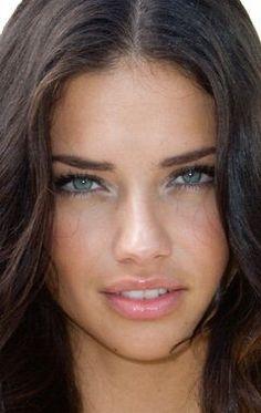 Most Beautiful Eyes, Beautiful Women, Adriana Lima Young, Adriana Lima Makeup, Adriana Lima Victoria Secret, Mannequins, Woman Face, Look Fashion, Beauty Women