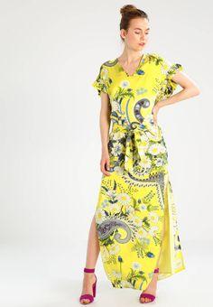 369a7f4ad936 PETRINE - Fotsid kjole - yellow. Ermelengde Korte ermer. Lengde