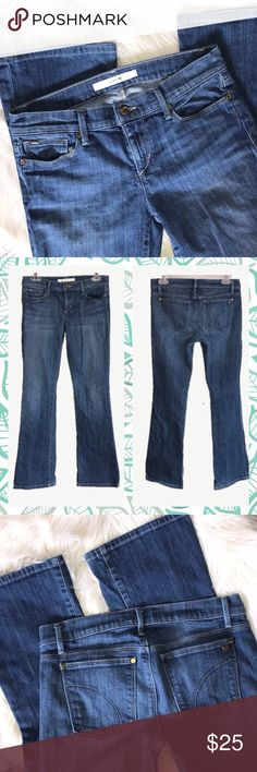 """Joes Jeans Provocateur Maribell Wash Bootcut 26 Medium wash Joe's Jeans, the Provocateur style.  Zip fly with button.   In great condition except for missing rivet on right back pocket, reflected in price.   Waist 26"""", inseam 29.5"""", rise 7.5"""", leg opening 8"""".   98% cotton/2% elastane. Joe's Jeans Jeans Boot Cut"""