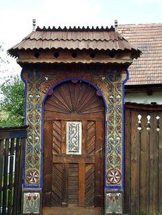 Fényképek Patrióta Európa Mozgalom bejegyzéséből - Patrióta Európa Mozgalom All Over The World, Wood Carving, Gazebo, Outdoor Structures, Windows, Doors, Architecture, Art, Romania