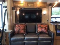 """2015 Used Newmar Ventana LE 3812 Class A in Georgia GA.Recreational Vehicle, rv, 2015 Newmar Ventana LE 3812 Diesel Pusher, Bath and a Half LIKE NEW! (3,700 Miles) LOADED with upgraded optional features; Two 15M Penguin Heat Pump Air Conditioners, Propane Gas Furnace, Air Horns, Extra 32"""" LED TV in front overhead, HI DEFTV Cables & Bluray DVD, King Size Bed in Master, Queen Size Hide-a-Bed Sofa, Maytag Stainless Steel Residential Refrigerator with Icemaker and Water Dispenser, includes 2000…"""