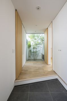 Masterful enclosed porch design read the article Entrance Foyer, House Entrance, Porch Interior, Porch Kits, Building A Porch, Home Improvement Loans, Japanese Interior, House With Porch, Japanese House