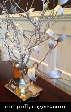 Click here to DIY the UNBELIEVABLE TOILET ROLL LEAF TREE.  Great for decor, parties and weddings.  Full instructions with photos from MrsPollyRogers.com