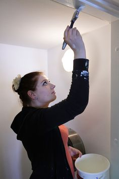 Tavanomaisia töitä ovat rakennusten, rakennusosien ja tuotteiden sisä- ja ulkopuoliset uudis- ja korjausmaalaustyöt. Työtehtäviin kuuluu usein myös tasoite- ja tapetointityötä. Työelämässä voi erikoistua esimerkiksi entisöinti- ja koristemaalaustöihin.