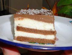 O Pavê de Coco Trufado é fácil de fazer, delicioso e perfeito para a sobremesa da sua família. Experimente! Veja Também: 10 Receitas Deliciosas de Pavê Ve