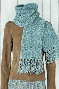 Frynser, Crochet, Fashion, Threading, Moda, Fashion Styles, Ganchillo, Crocheting, Fashion Illustrations
