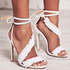 Träger Knöchel Schnürung Open Toe Stiletto High Heels Sandalen - Onlinechoics How should the right shoe choice be? High Heels Outfit, Hot High Heels, High Heels Stilettos, Womens High Heels, Stiletto Heels, Sandals Outfit, Prom Heels, Strappy Sandals Heels, Lace Up Heels