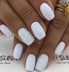 White And Silver Nails, White Acrylic Nails, White Nail Art, White Art, White Glitter, Acrylic Art, Shellac Nail Art, Nail Nail, Silver Nail Designs