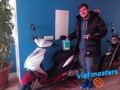 Fernando se ha sacado el permiso de ciclomotor en Autoescuela Vial Masters. ¡Una persona estupenda! ¡Enhorabuena!  Más en http://vialmasters.es