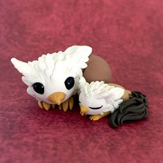 Gryphon Mama Sculpture by Dragons and Beasties