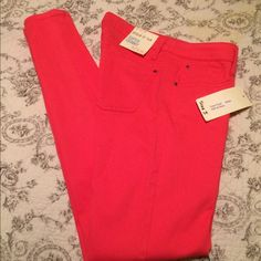 ⬇️FINAL MARKDOWN⬇️NWT Hot Pink Skinny Jeans Hot pink skinny jeans. NWT SIVA Pants