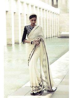 Tarun Tahiliani saree and blouse Indian Wedding Outfits, Pakistani Outfits, Indian Outfits, Indian Dresses, Indian Weddings, India Fashion, Asian Fashion, Ethnic Fashion, Indian Attire