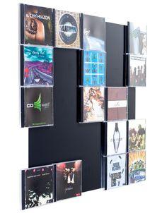 schlichte edelstahlwand zur pr sentation und aufbewahrung. Black Bedroom Furniture Sets. Home Design Ideas