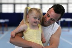 Disabled Sprinter Oscar Pistorius Poses With Fellow 8-Year-Old Double Amputee