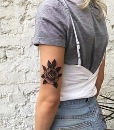 50 Eye-Catching Lion Tattoos That'll Make You Want To Get Inked - diy best tattoo ideas Tattoos 3d, Flower Tattoos, Black Tattoos, Body Art Tattoos, Sleeve Tattoos, Cool Tattoos, Tatoos, Americana Tattoo, Tatuaje Old School