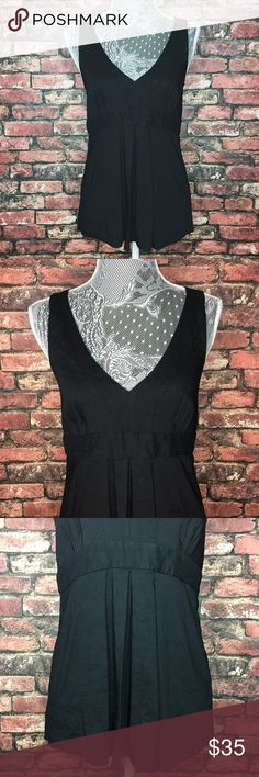Theory Pleated Sleeveless Top The perfect black pleated top for work or a special event. Zipper closure on the left side. In great condition.  62% Linen 36% Viscose 2% Spandex  Length 25in (Measured from Shoulder) Bust 16in Theory Tops