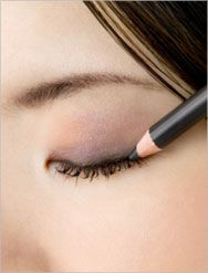 How To Apply Pencil Eyeliner | howtoapplyeyeliner.blogspot.com