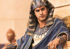 'Tut' Costume Designer Carlo Poggioli Talks Ancient Egyptian Fashion: Exclusive Interview : Fashion : Fashion Times
